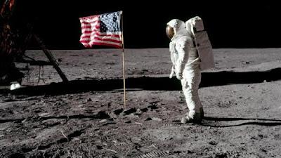4 Fakta Menarik Yang Belum Kamu Ketahui Tentang Pendaratan di Bulan