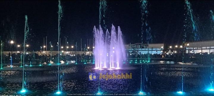 Kiara Artha Park, Taman Hits Terbaru Di Bandung Dari Kampung Korea Hingga Dancing Fountain!