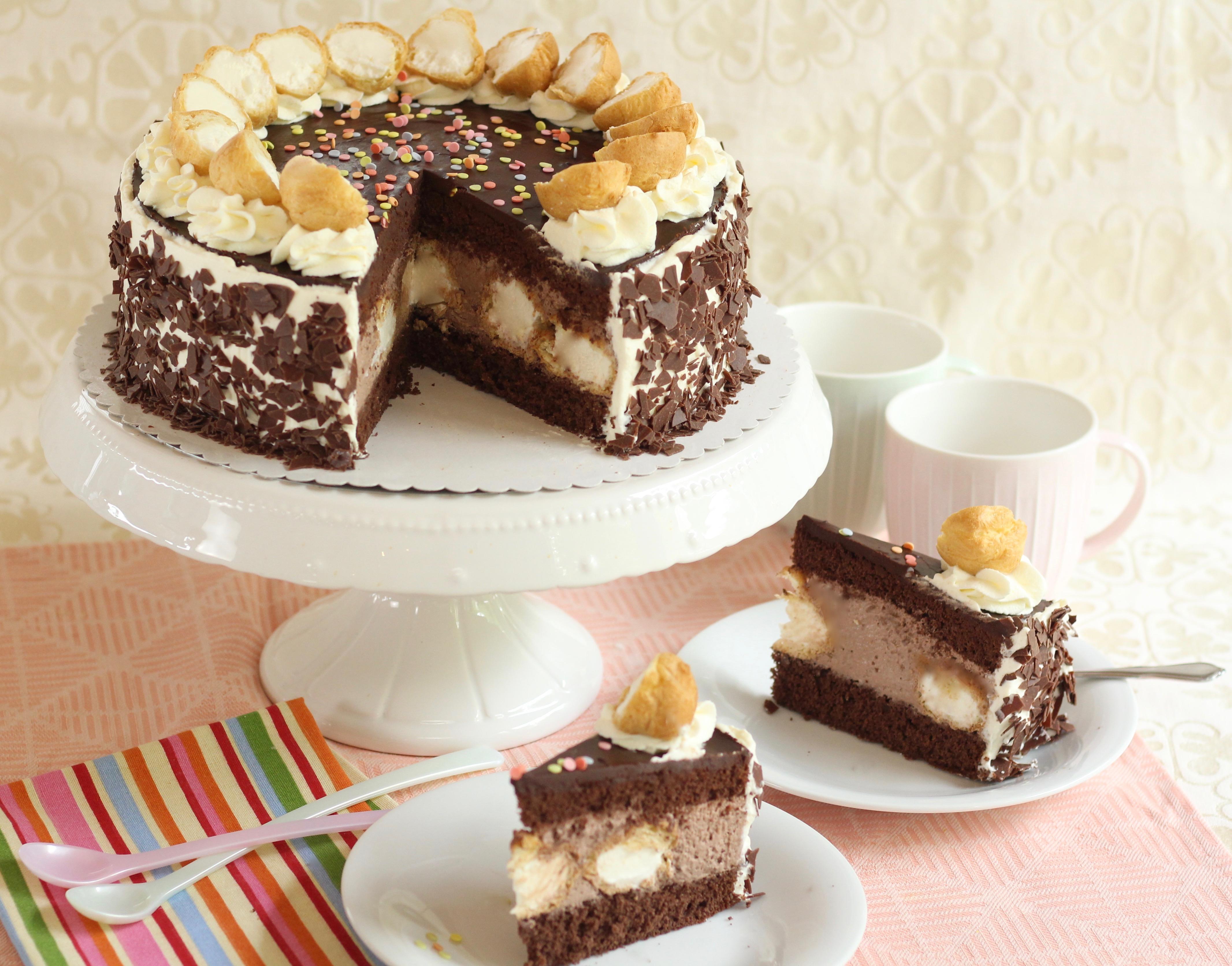 Mega leckere Schoko-Windbeutel-Torte | Rezept und Video von Sugarprincess