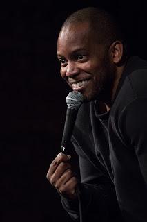tips cara menjadi komika stand up comedy yang handal dan terkenal