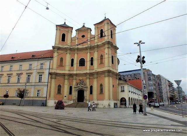 pasear por las calles de Bratislava