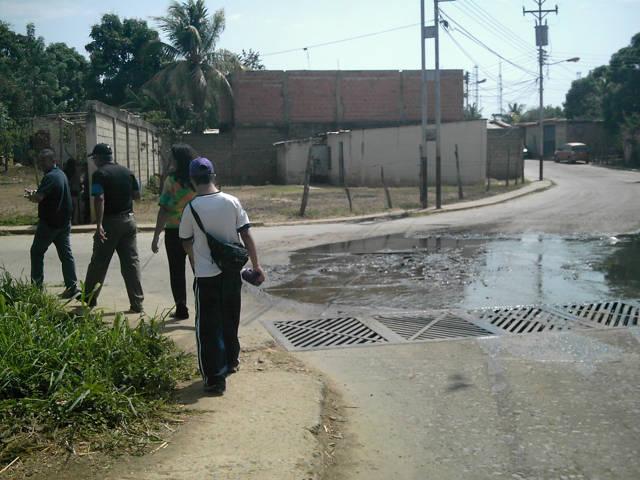 GUÁRICO: 100 familias que se encuentran afectadas con este derrame de aguas putrefactas en Zaraza.