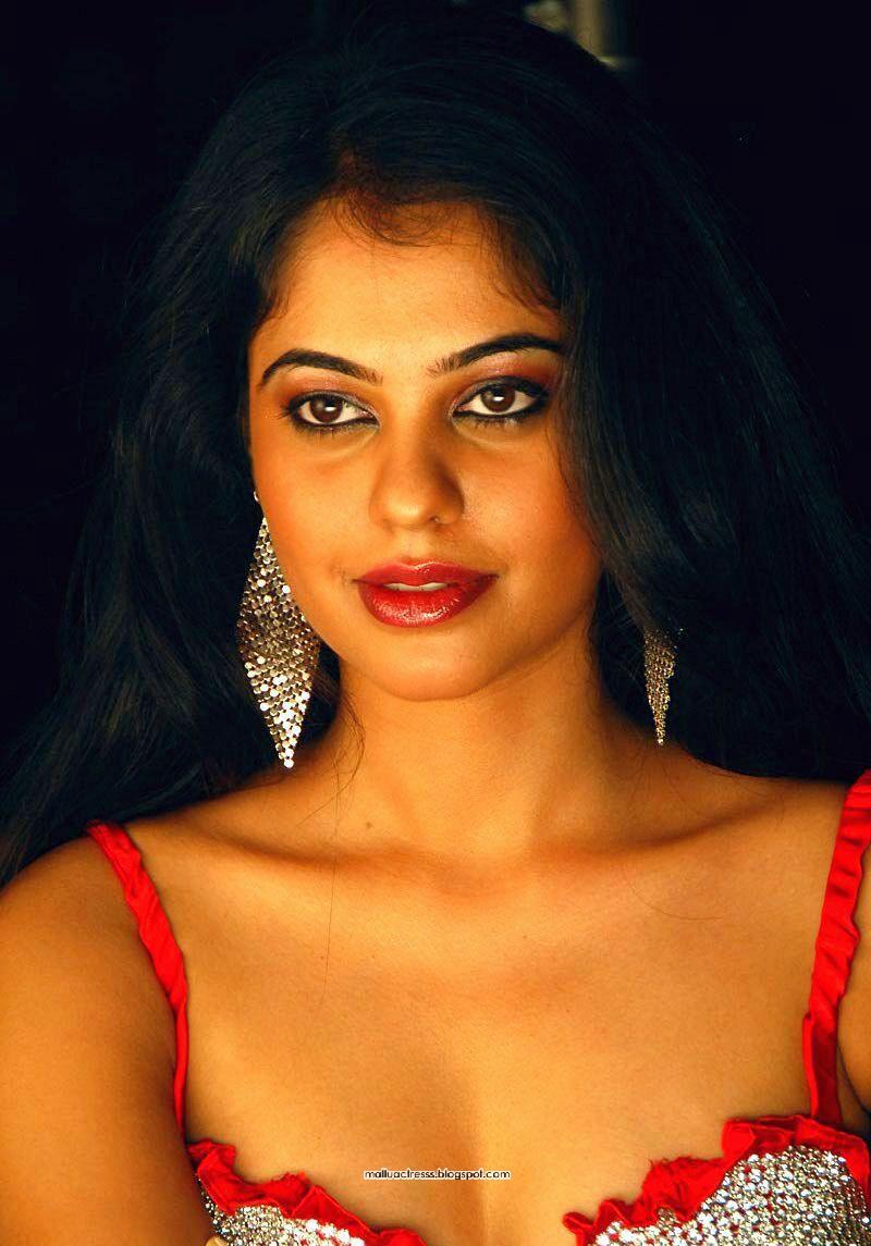 Malayalam Actress Bindhu Madhavi Hot Spicy Stills