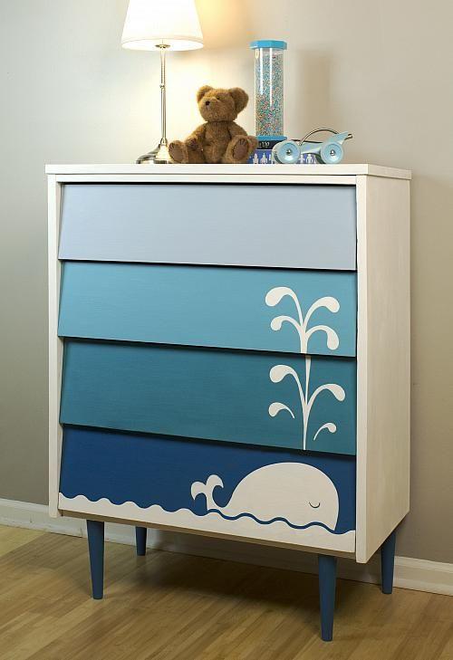 Un mueble infantil con ballena
