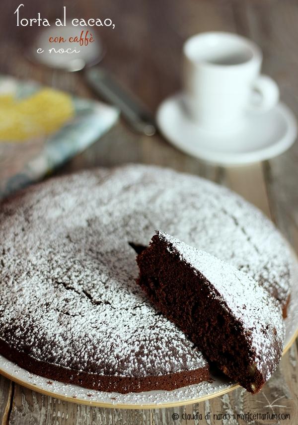 Torta al cacao, caffè e noci
