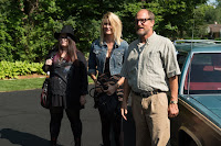 Laura Dern, Woody Harrelson and Isabella Amara in Wilson (5)