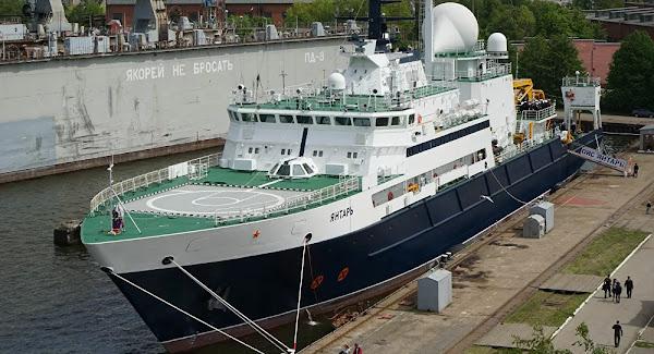 Un «navire espion russe» dans la Manche agite la presse française