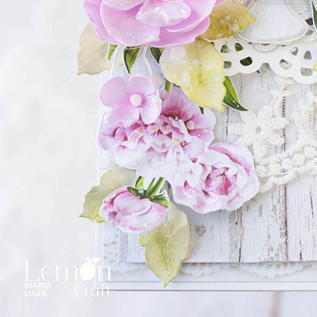 Kwiatowa kompozycja w kartce urodzinowej