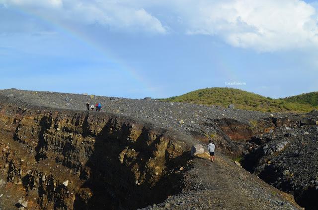 Menuju pelangi Kawah Tompaluan Gunung Lokon Gunung Empung ©JelajahSuwanto