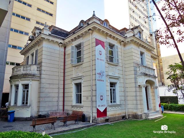 Vista ampla do casarão da Fundação Escola de Sociologia e Política de São Paulo - Vila Buarque - São Paulo