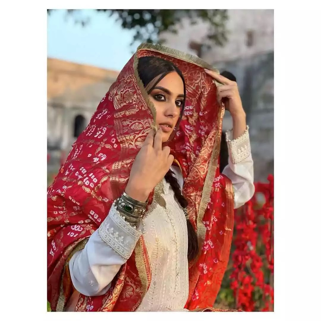 Beautiful Pictures of Iqra Aziz With Her Son Kabeer Hussain