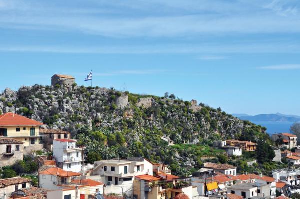 Το άγνωστο σε πολλούς μεσαιωνικό κάστρο στη Νέα Επίδαυρο
