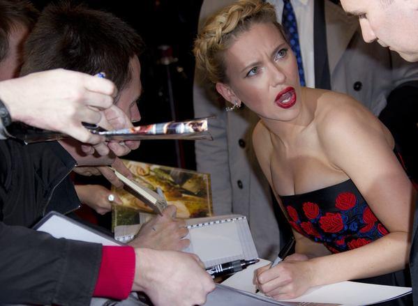Otosport Scarlett Johansson Shocked By Rude Fans