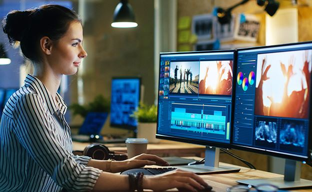 Top 5 Steps to Become a Multimedia Designer: Career Guide