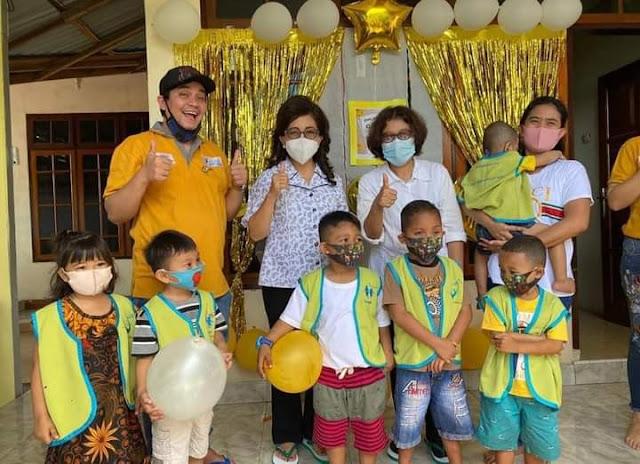 Sambangi RSUP dan Rumah Singgah, JPAR dan Indera Bekti Hibur Anak - anak YKAKI