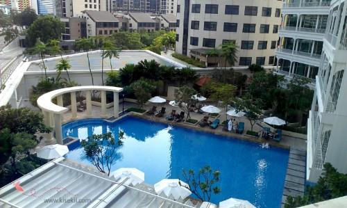 kolam-renang-hotel