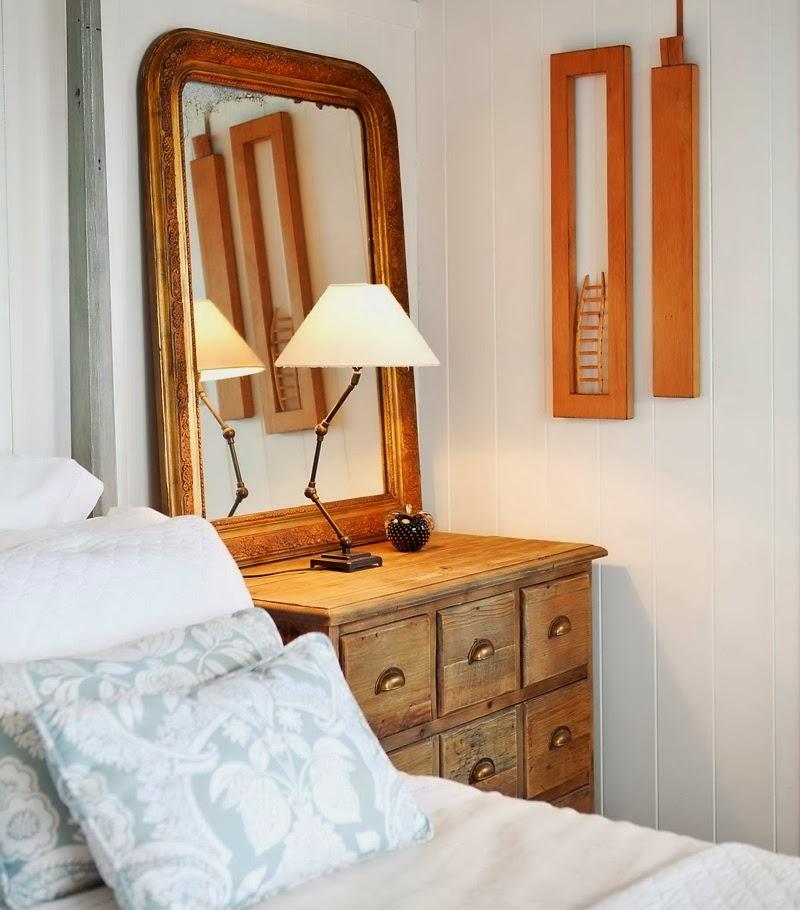 Domek przy plaży w Nowej Zelandii, wystrój wnętrz, wnętrza, urządzanie domu, dekoracje wnętrz, aranżacja wnętrz, inspiracje wnętrz,interior design , dom i wnętrze, aranżacja mieszkania, modne wnętrza, domek wakacyjny, klasyczna sypialnia