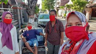 Bentuk Gugus Covid-19, DPC PDI Perjuangan Kota Mojokerto Bagikan Ribuan Masker dan Semprotkan Disinfektan di 73 Lingkungan