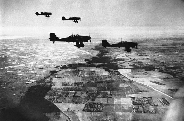 Stukas in Russia on 9 November 1941 worldwartwo.filminspector.com
