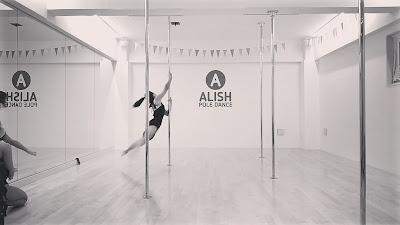 ポールダンス 発表会 レッスン ダンス 成長 課題 成長過程 ビキニ フィットネス女子 本八幡