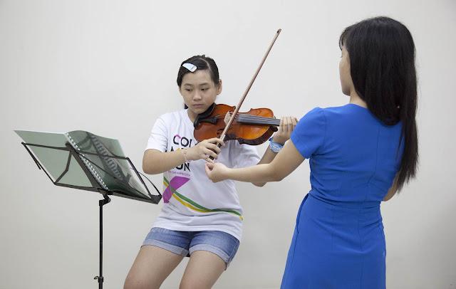 Lớp Violon tại trường nhạc SMS