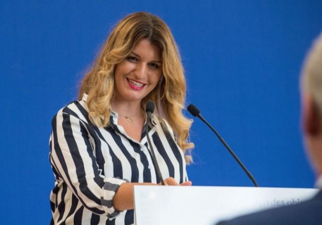 VIDÉO : La loi sur le séparatisme de Marlène Schiappa concernera aussi... «le suprémacisme blanc»