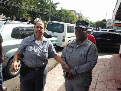 "Apresan mujer nativa Elías Piña, se hacía pasar por ""capitán"" Policía"