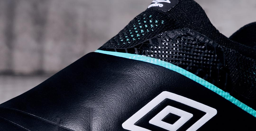 52689c706f20d Now Double Diamond brand Umbro surprised fans by releasing their first  laceless leather soccer boot