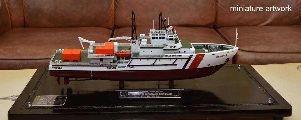 pembuat miniatur kapal kn trisula p111 kplp kesatuan penjaga laut dan pantai sea and coast guard rumpun artwork temanggung planet kapal indonesia