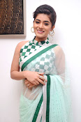 Yamini Bhaskar latest glamorous photos-thumbnail-7