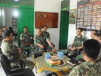 Satgas Pamtas Yonif Para Raider 502 Kostrad Terima Kunjungan Tentara Diraja Malaysia