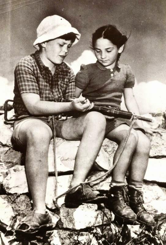 israel-boy-girl.jpg