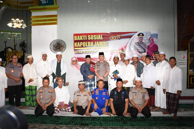Ini Pesan Kapolda Jambi Kepada Seluruh Masyarakat Saat Melaksanakan Ibadah Sholat Jum'at Di Masjid Agung Kuala Tungkal