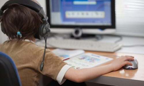 Προβλήματα με το ίντερνετ και τις συνδέσεις τους αντιμετωπίζουν όλο και πιο συχνά οι συνδρομητές των εταιριών.