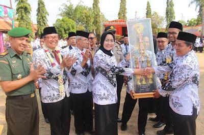 http://www.topfm951.net/2019/11/gemuruh-tepuk-tangan-warnai-sambutan.html#more