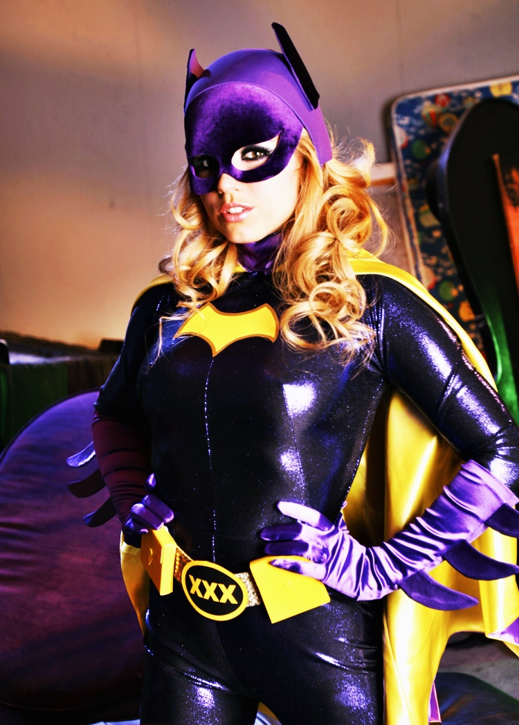 batgirl-lexi-belle-naked-bacheloret-party-nude