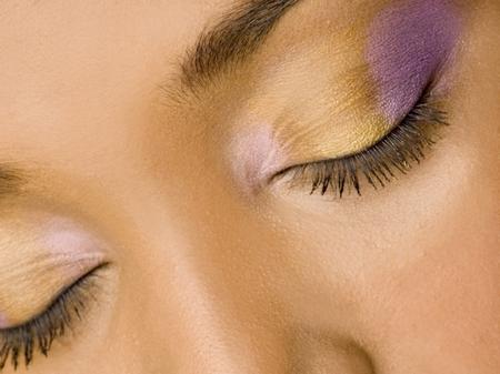 Tips Mencegah dan Mengatasi Kantung Mata