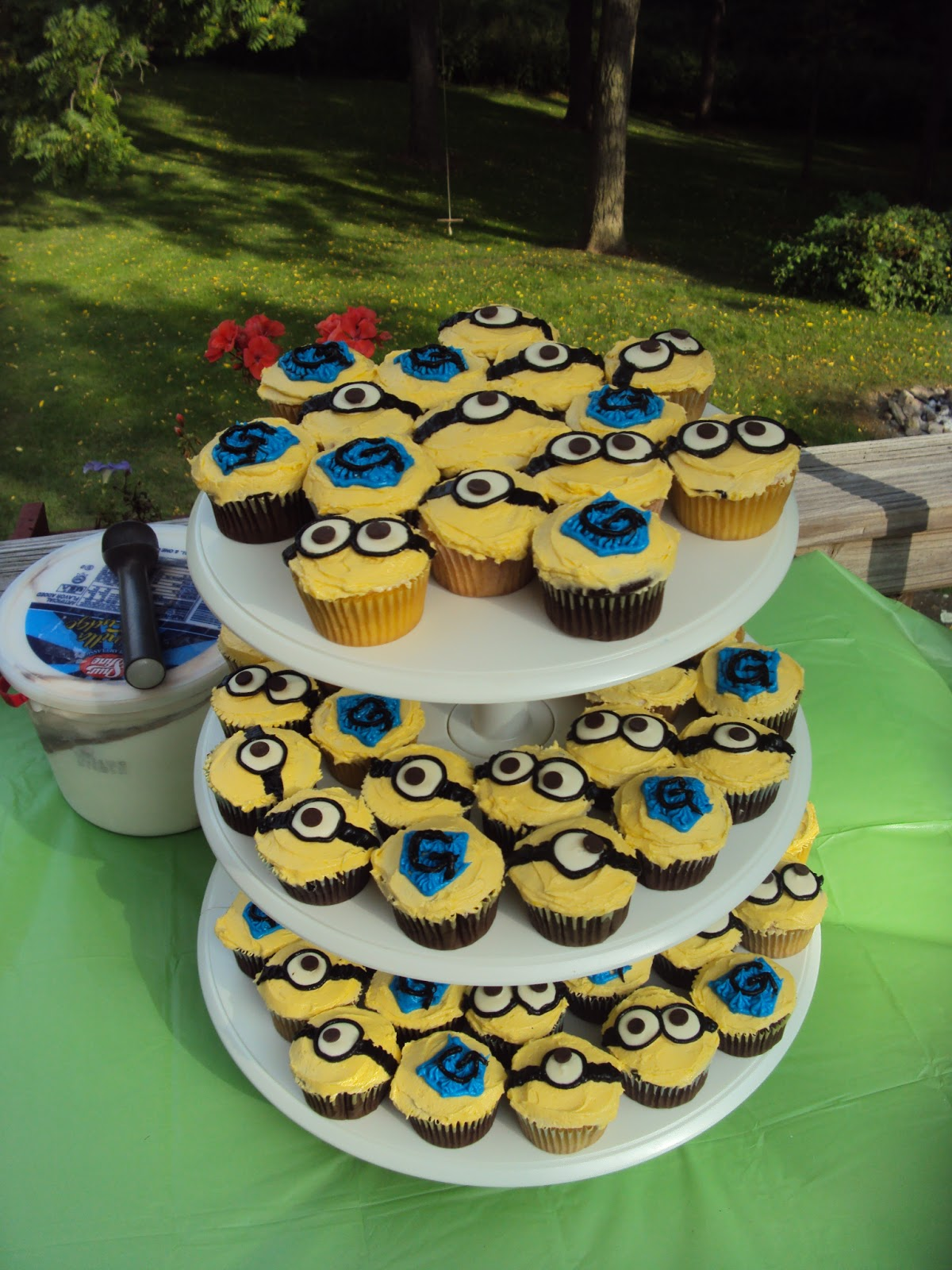 Trust Implicitly Minion Cupcakes
