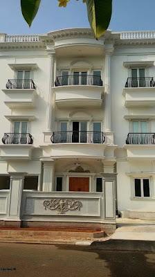 balkon besi tempa mewah