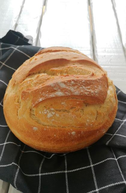 Pan fácil con harina normal, hogaza rústica fácil, hacer pan con harina normal