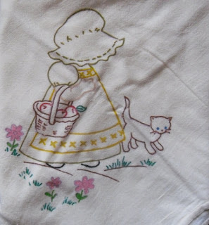 """Vintage hand painted 28"""" x 29"""" 100% cotton"""