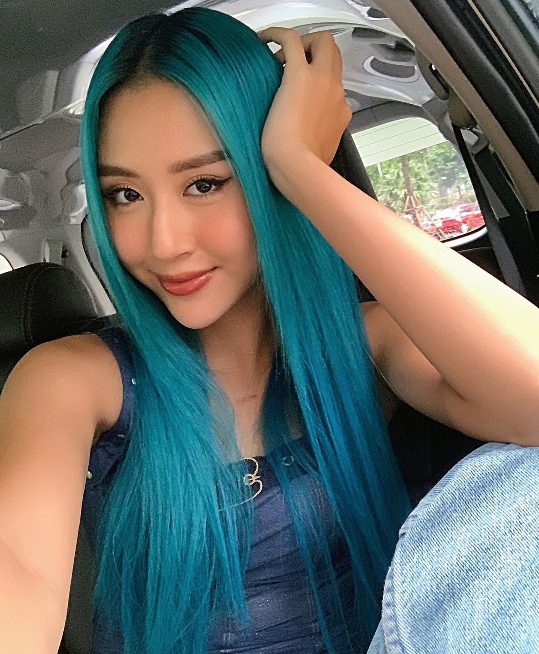 Quỳnh Anh Shyn bật mí mẹo giữ tóc nhuộm lâu phai