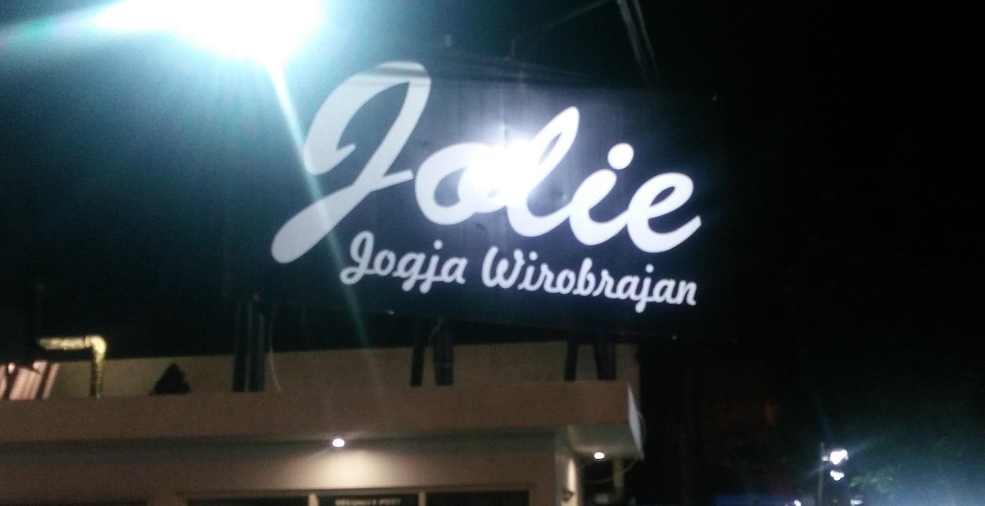 Jolie Jogja Wirobrajan Istana Belanja Fashion di Yogayakarta ... d9a788b70b