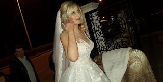 Πάτρα: Ο πρώτος γάμος του 2018 – Οι πόζες της νύφης και η ευτυχία του γαμπρού