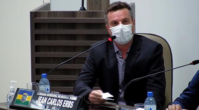 """Manoel Ribas: Assunto sobre a falta de água chega ao Legislativo: """"Ligue no 0800, essas reclamações tem que aparecer"""""""
