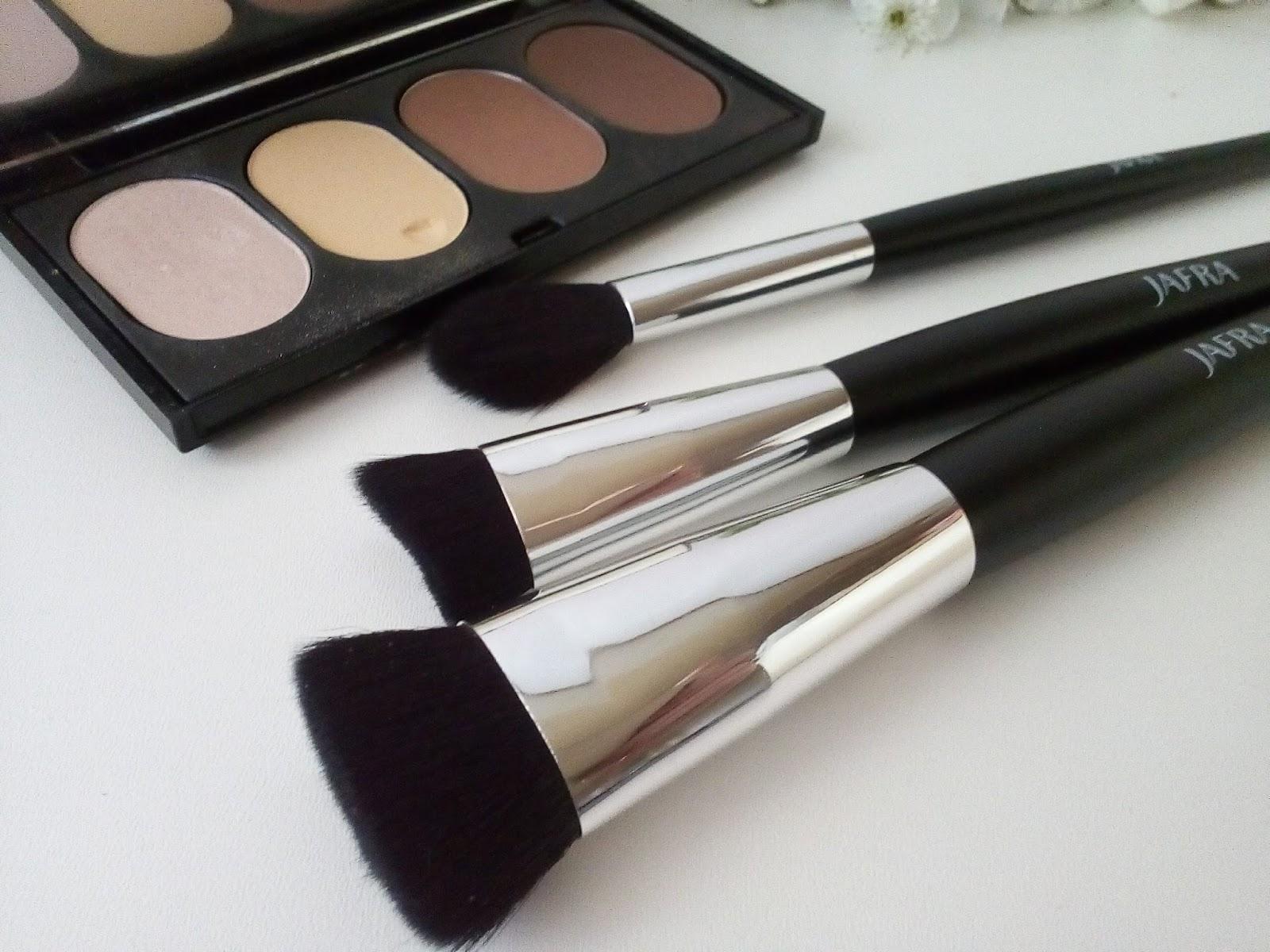 najlepszy szerokie odmiany klasyczne style Cosmetics reviews : Pędzle do konturowania / Jafra Cosmetics