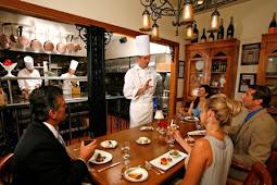 Restoran: Pengertian, Tujuan, Produk, Jenis, dan Sistemnya
