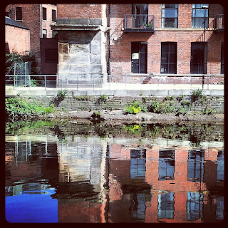 Leeds Canal View: Reflection