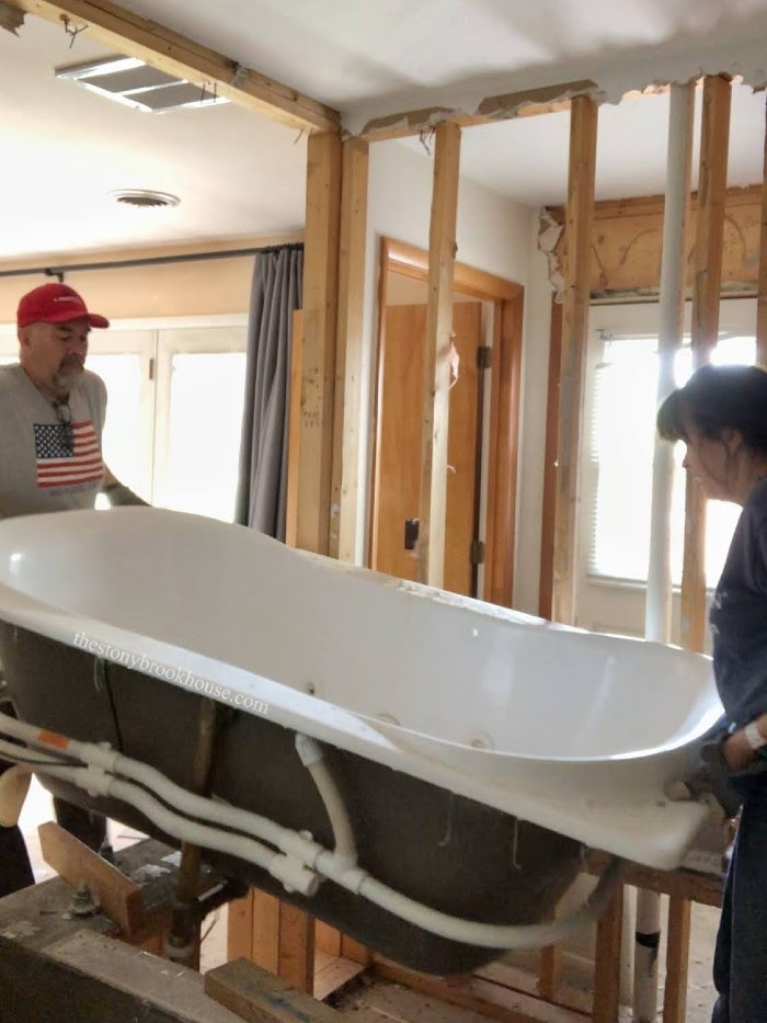 Lifting jacuzzi tub out - demo