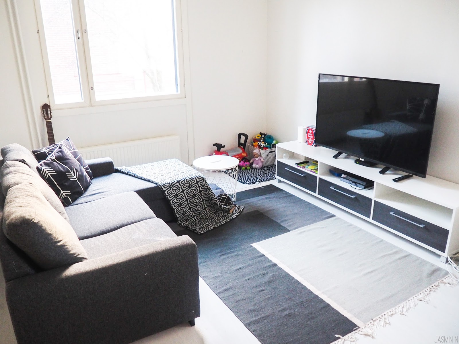 OUR LIVING ROOM   BEFORE & AFTER - LITTLE THINGS WITH JASSY